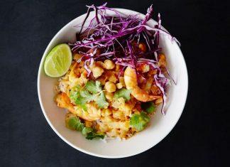 Curry de crevettes aux pois chiches et au chou-fleur