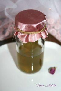 Comment faire son eau de rose de Damas, soin visage, antioxydant, anti-âge, anti-rides, cicatrisant