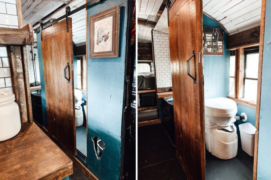 petite salle de bain avec panneaux en bois et toilettes à compost