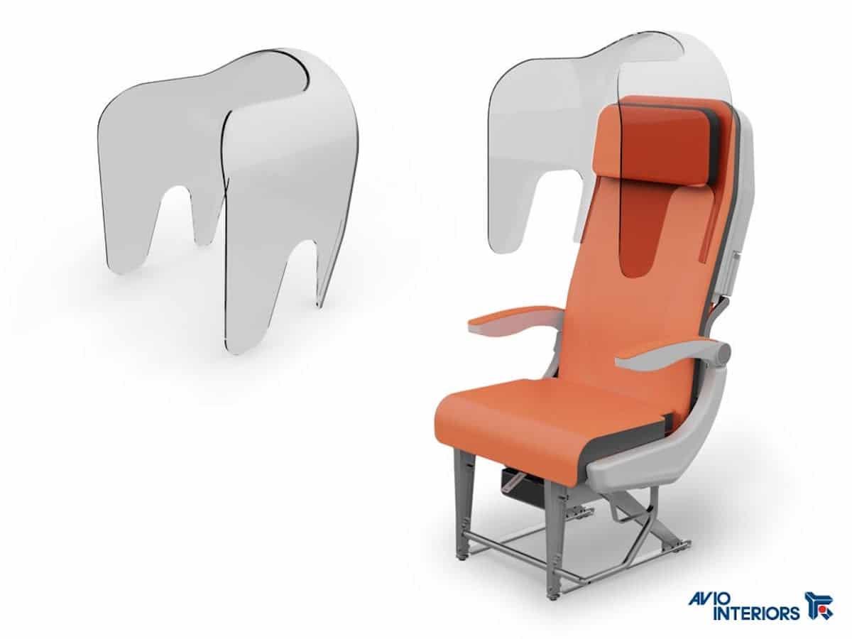 Avion avec des housses de siège pour empêcher la propagation du coronavirus