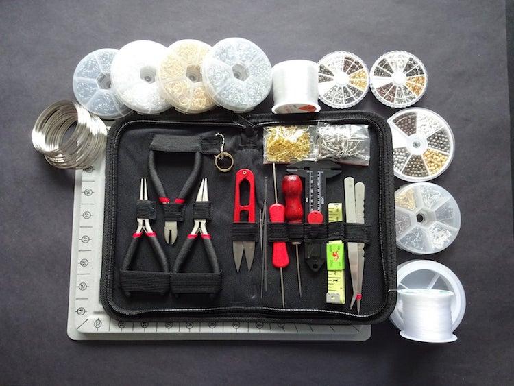 Kit de fabrication de bijoux par Beadology by Heather