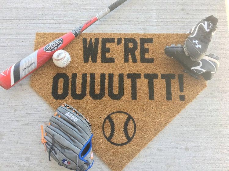 Tapis d'accueil de baseball par Muck and Mayhem