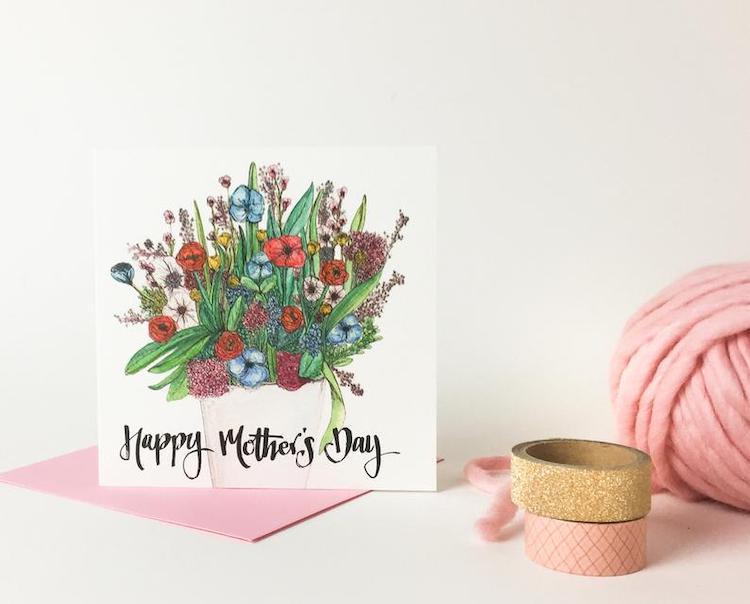 Carte de fête des mères avec motif de fleurs