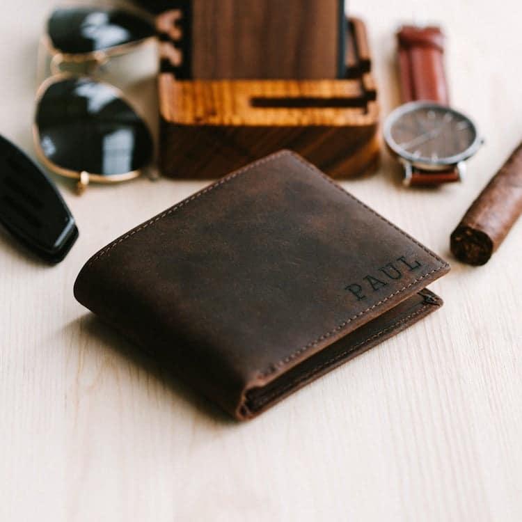 Portefeuille en cuir gravé par Stay Fine personnalisé