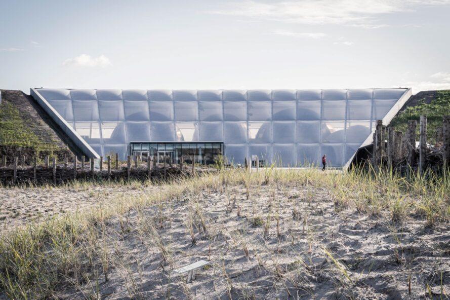 sable extérieur structure ETFE blanc
