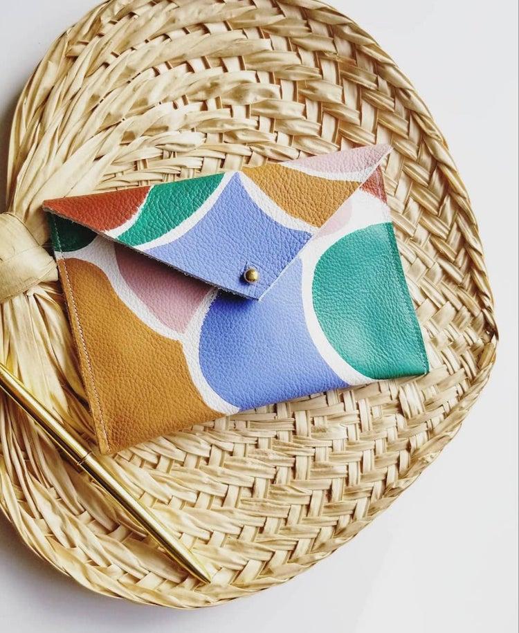 Portefeuille en cuir peint