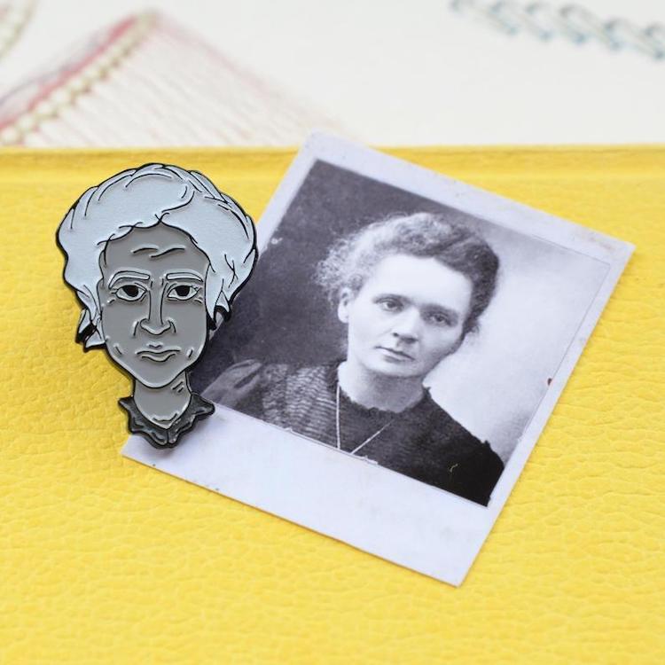 Épingle en émail Marie Curie