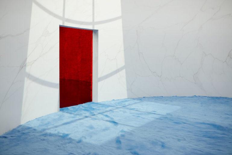 Rem Koolhaas + AMO a conçu l'espace de présentation de la mode masculine FW21 de Prada