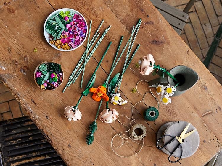 Arrangement de fleurs LEGO