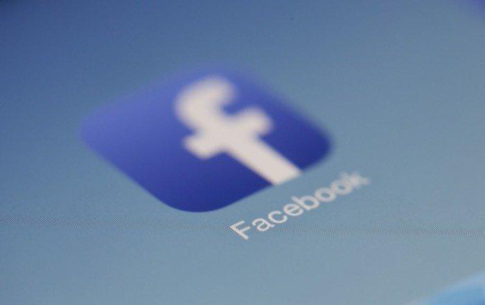 Montre connectée Facebook