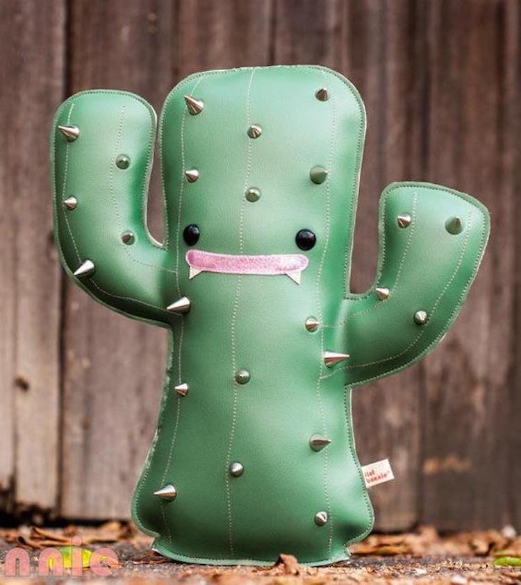 Poupée en peluche Cactus