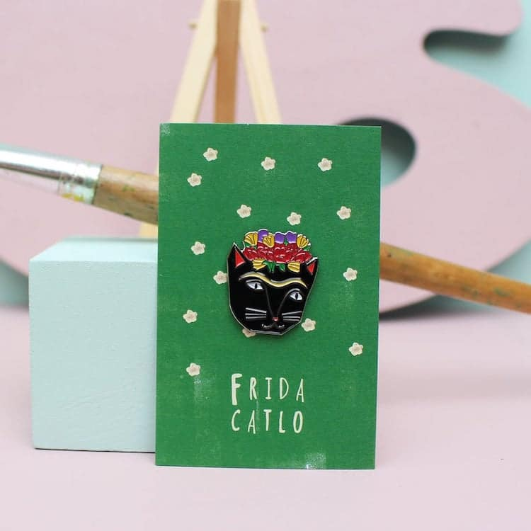 Broche en émail de chat Frida Kahlo