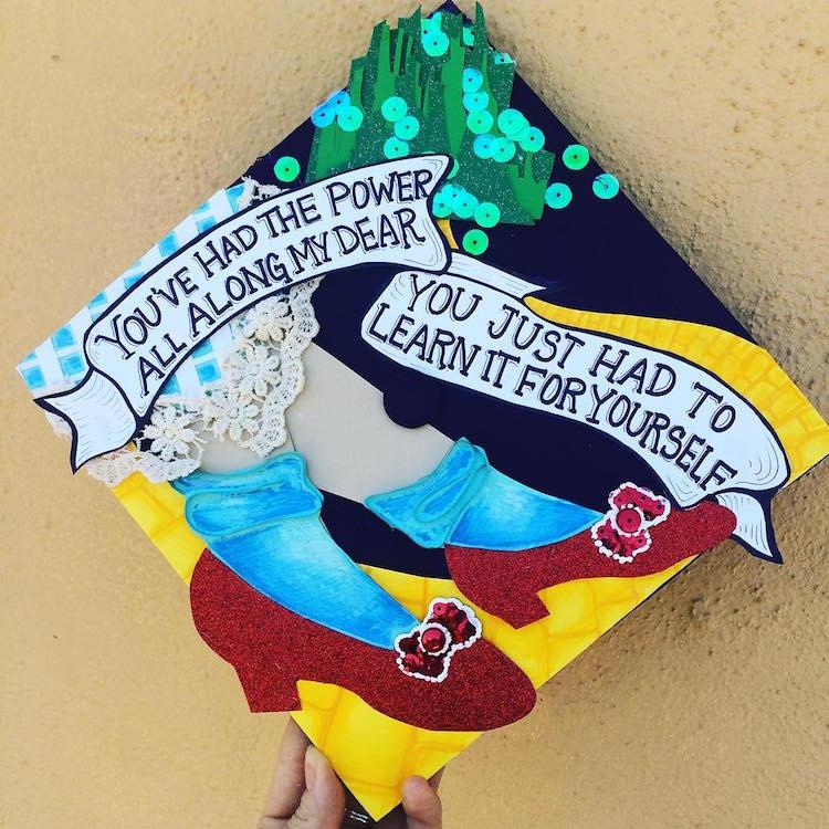 Idées créatives de casquette de graduation
