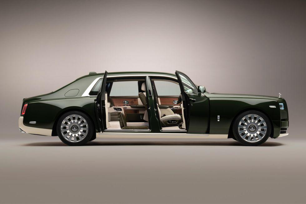 Rolls-Royce et Hermès Phantom Oribe avec portes ouvertes