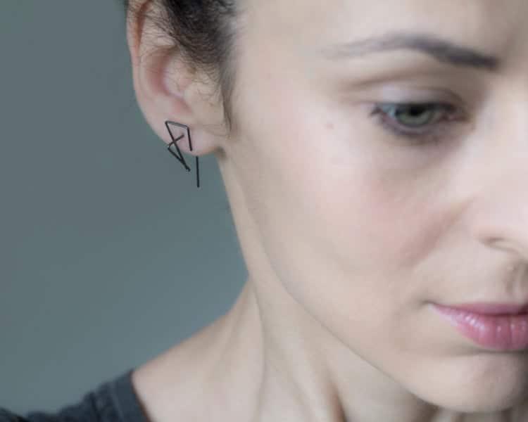 Boucles d'oreilles aux lignes épurées