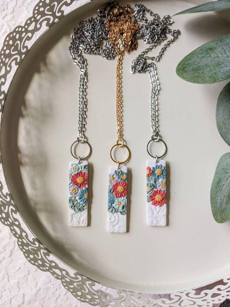 Collier barre florale