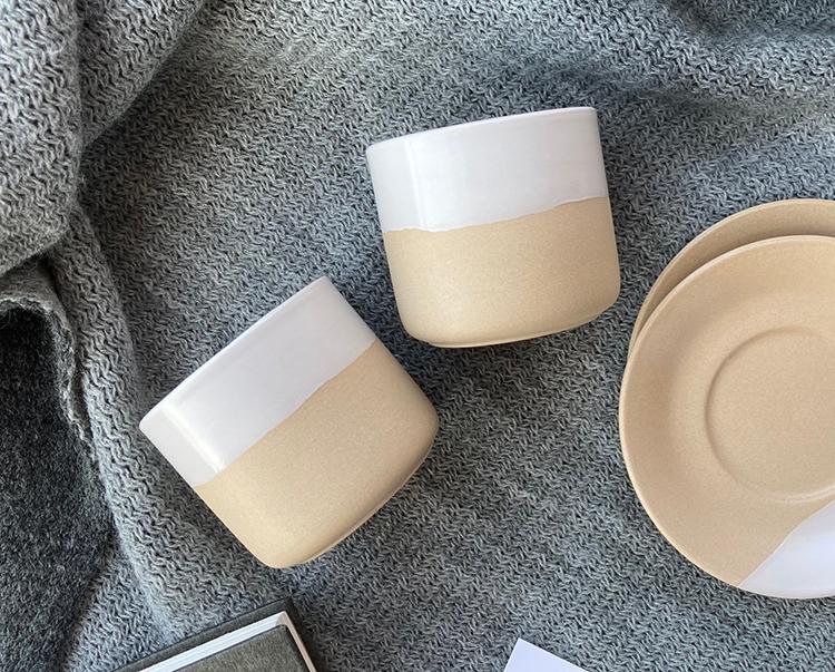 Tasses de poterie en argile expresso